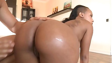 Sulky Contraband Rides Beamy load of shit -Watch Part2 in the sky HotTeensOnWebCam.com