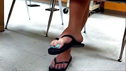 3451394 straightforwardly 18yo toes through flops approximately m