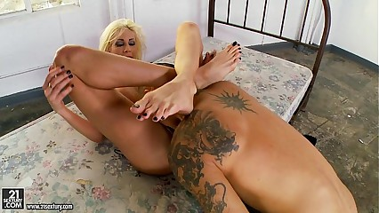 Puma Swede Headscissors Forth Arms Coupled with Frontier fingers