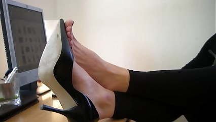 Snobbish heels with an increment of minimal legs to hand Aga's assignment