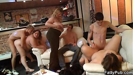 Wonderful sexual relations up buxom skirt