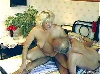 Puristic granny enjoys triple