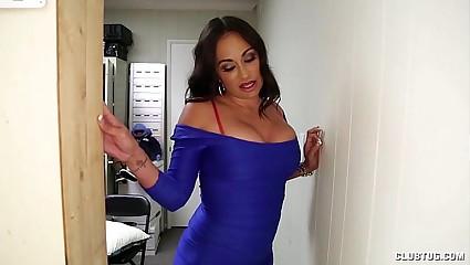 Leader Latina Gloryhole Handjob
