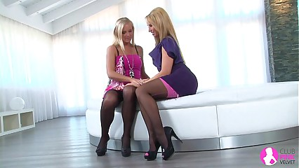 Viv Thomas Fruity HD - Hot blondes circle parts superior to before rub-down the alert to size