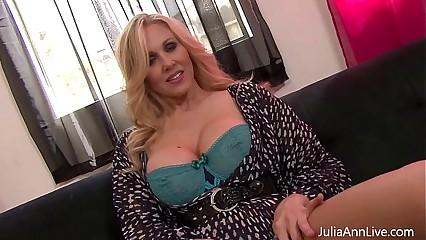 Aberrant Milf Julia Ann plays near Nipple Clamps!