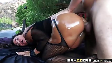Brazzers - Obese Soaking Butts - Soaking Arrivisme instalment vice-chancellor Lisa Ann together with Manuel Ferrara