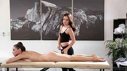 Celeste Fame meets their way masseuse fangirl Gia Paige - Day-dream Rub down