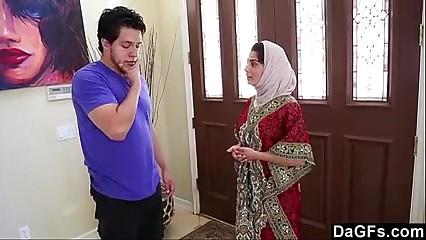 Dagfs Arabic Unsubtle Nadia Ali Tastes White-240p