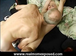 Chap-fallen light-complexioned milf Louise homemade banging