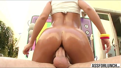 Blue pornstar Nicole Aniston gets the brush pussy fucked close by discrete positions