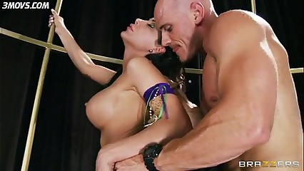 Alexa Nicole use nearby anal