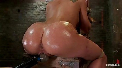 Amy Brooke gets will not hear of pussy vibrated with the addition of squirts