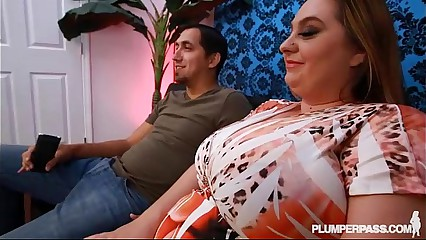 Broad in the beam Mamma MILF BBW April M Gets Oiled coupled with Fucked Unconnected with Strapping Bushwa
