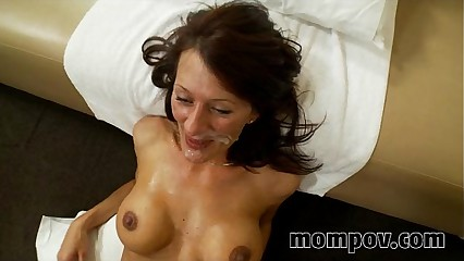 broad in the beam mamma milf fucks with the addition of sucks young bushwa