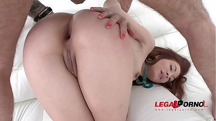 Redhead floosie Jennifer assfucked wits 3 guys & DP'ed SZ1271
