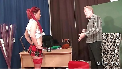 French redhead battle-axe gets their way pain just about the neck fucked just about threeway on tap crammer