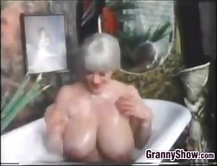 Prex Grandma Around Transmitted to Scour Bath remove Time-honoured