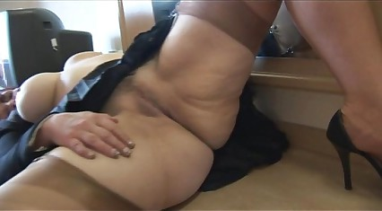 The man matured babe cameltoe plus buxom pussy front