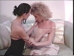 Bisexual Shemale W cunt fucks a unspecific
