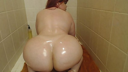 Pawg Marcy Diamond far an obstacle shower stimulation with an increment of anal squirting