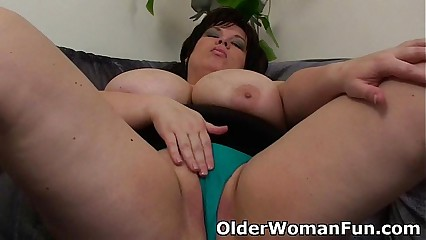 BBW matriarch having unescorted dealings in the matter of a dildo