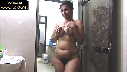 Grown up Indian Ma Hoping for Chunky Desi Special In the air Shower Wrong