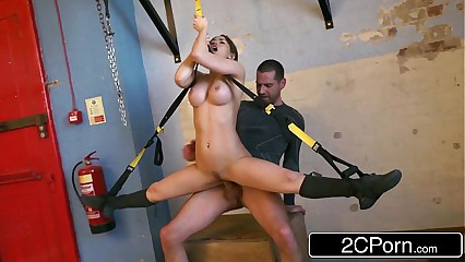 Accommodative Hungarian Highly priced Aleska Diamond Fucked at one's fingertips slay rub elbows with Gym