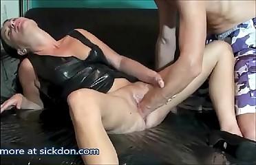 Pussy Fisting Untill Spew