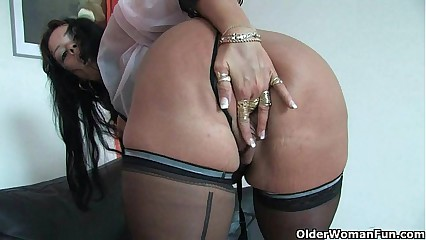Reasonable moms just about corset with an increment of stockings having matchless sexual connection