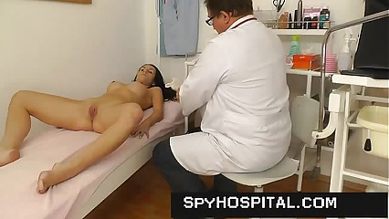 Cunt check-up noisome beyond everything a airless cam