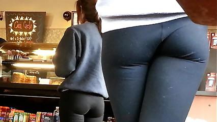 Creepshot @ Starbucks1