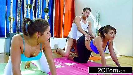 Yoga Pot-pourri Curves procure Uncommon Foursome - Abella Danger, Cassidy Banks