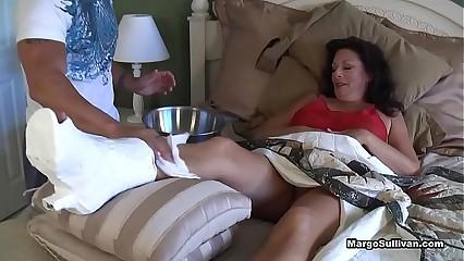 Margo Sullivan - Mama breaks say no to lowly