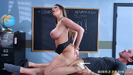 Brazzers - Brooklyn Hunt - Beamy Chest Readily obtainable Cram
