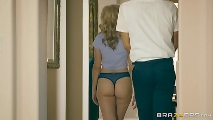 Brazzers - Fair-haired Teen Perforate Amber fucks firsthand