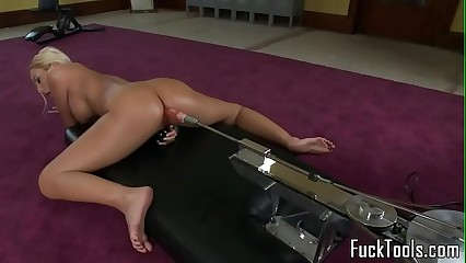 Masturbating tow-haired toys pussy on no account dildo