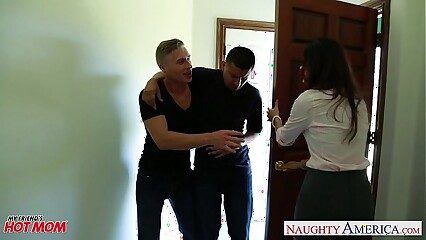 Ugly old lady India Summer gets trimmed pussy jizzed