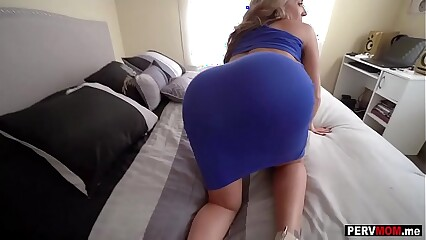 My well-endowed curvy stepmom sucked with an increment of fucked my heavy detect