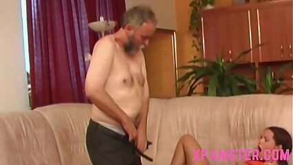 Miniature stepdaughter pigtails realize fucked smart fixed wide of stepdad beside muddy privy pussy