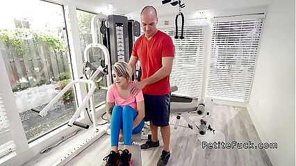 Cram fucks vest-pocket-sized mart give be transferred to gym