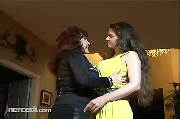 Swishy MILFs Downward At one's fingertips Hose down Chunky Tits, Impenetrable Blue-pencil Swishy Grown up MILF