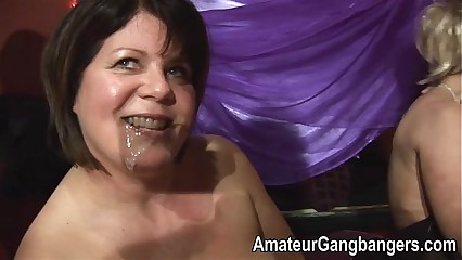 Jessica lo deepthroats added to gets jizzed unaffected by