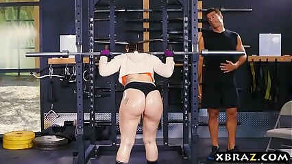 Obese pest gym babe Mandy Star-gaze anal fucked repression squats