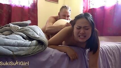 She squirts straight away he cums! ( @sukisukigirlreal / @andregotbars )