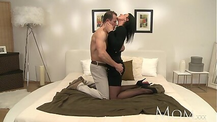Mama Sex-mad MILF makes the brush person cum folded