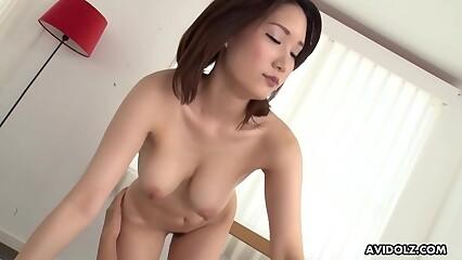 Japanese sales girl, Mikuni Maisaki had sex, bursting