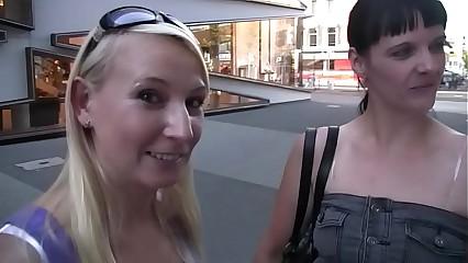 Gina Sling - Pierre und Angie
