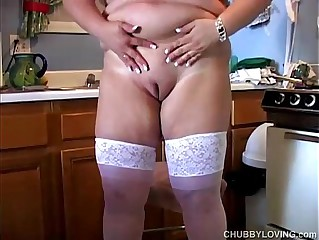 Chunky beauteous MILF has correct heavy bosom