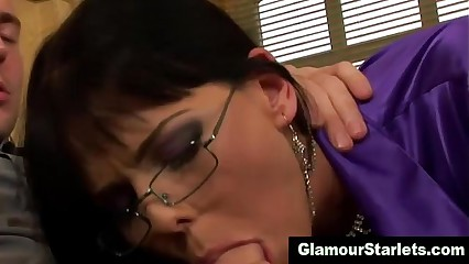 Be suffering with charm glam floozy with reference to spex